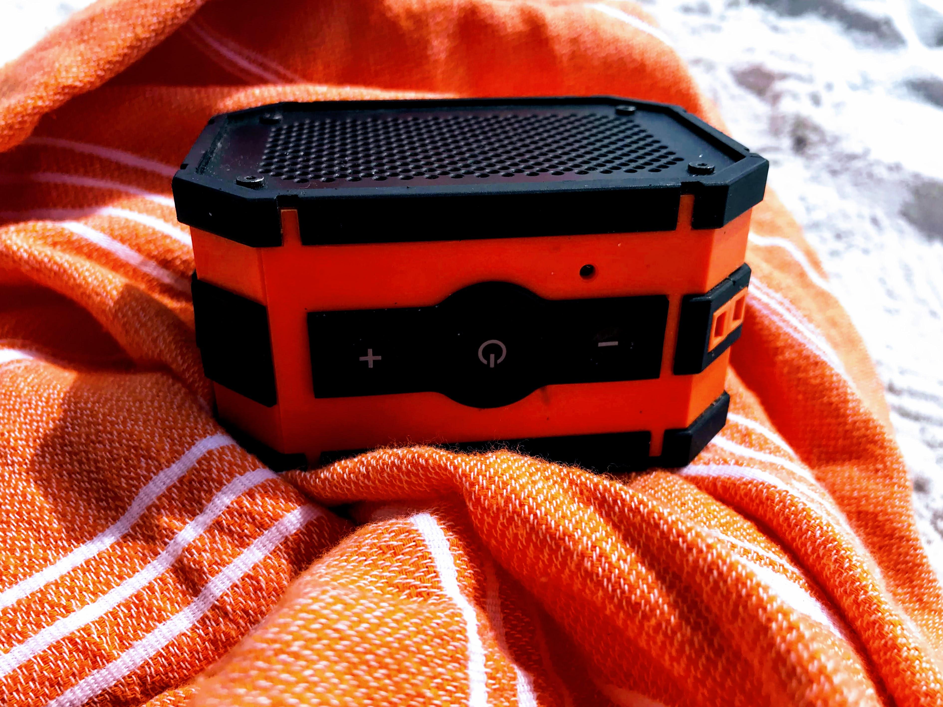 waterproof beach speaker