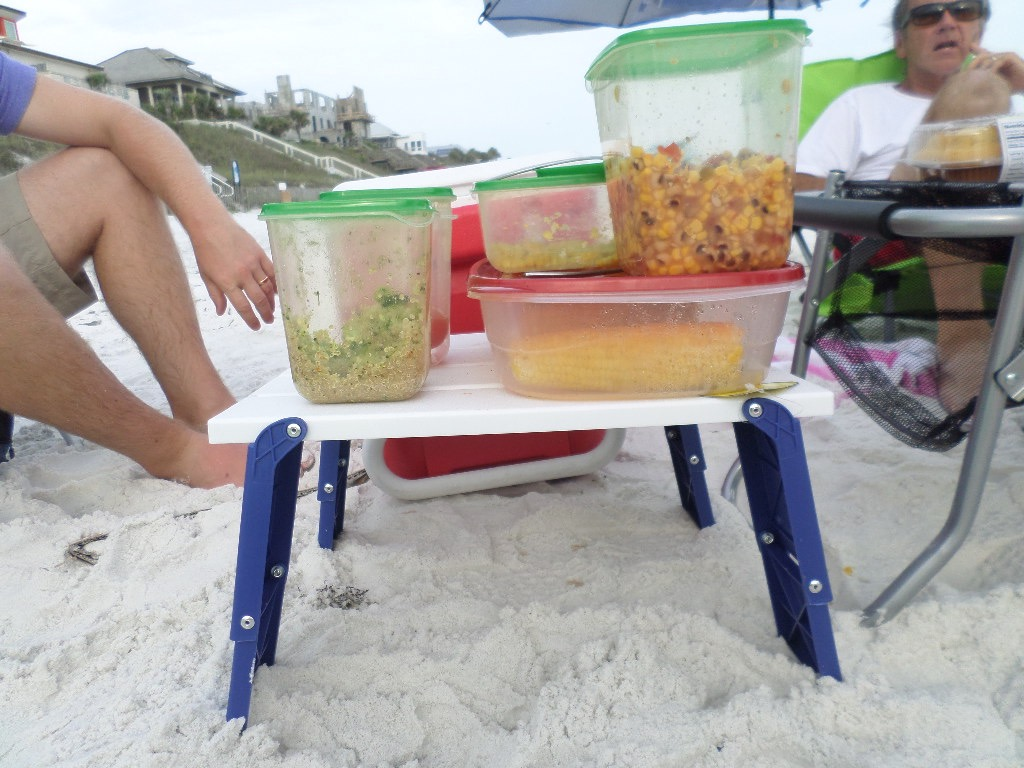 folding beach table