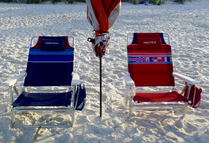 Reclining Beach Chairs What Beach Bum Would Be Without One