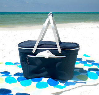 Beach Supplies Top Ten Things To Bring To The Beach