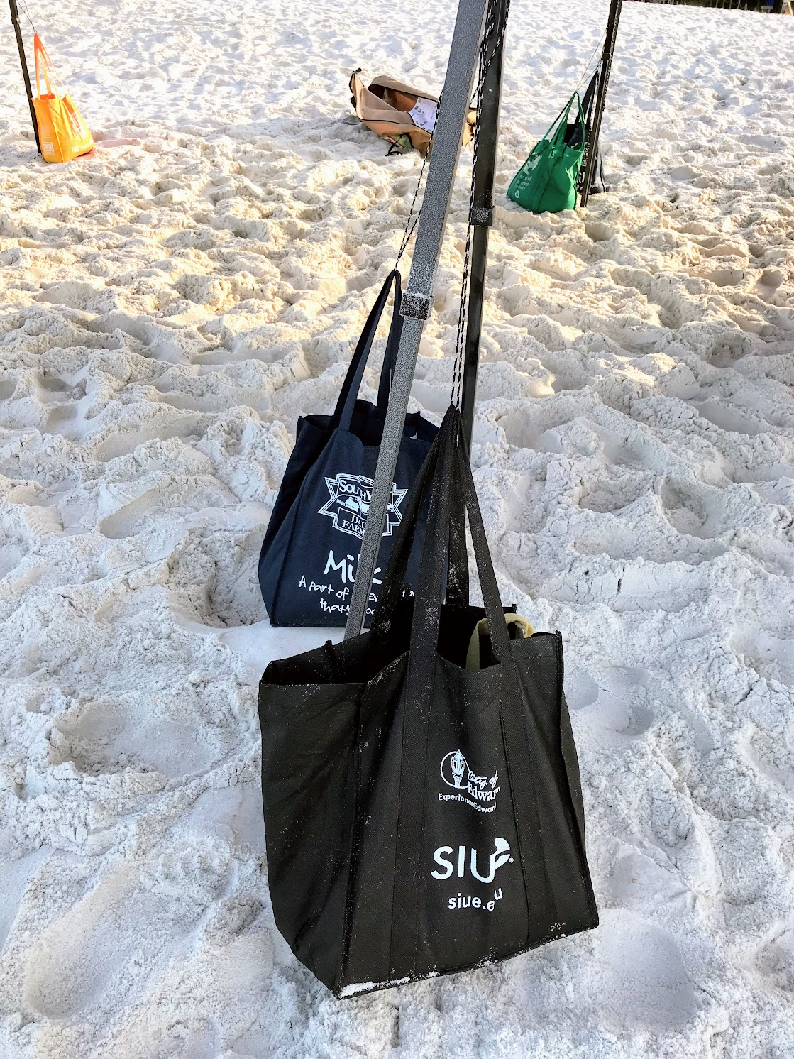 stabilizing beach shade tents