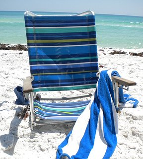 reclining beach chairs
