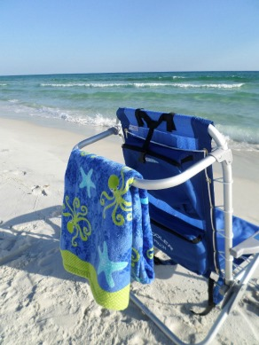 aluminum beach chairs with cooler bag and towel rack
